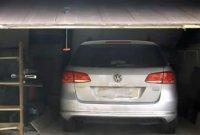 garage-door-control.jpg