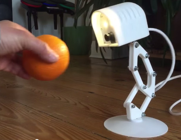 3d tracking lamp