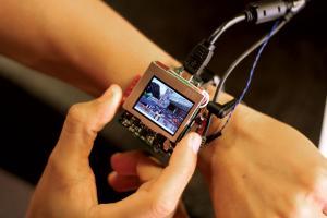Tiltable watch - Image: HCII/Carnegie Mellon University