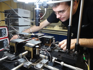 Bristol University - Quantum Engineers research quantum computer