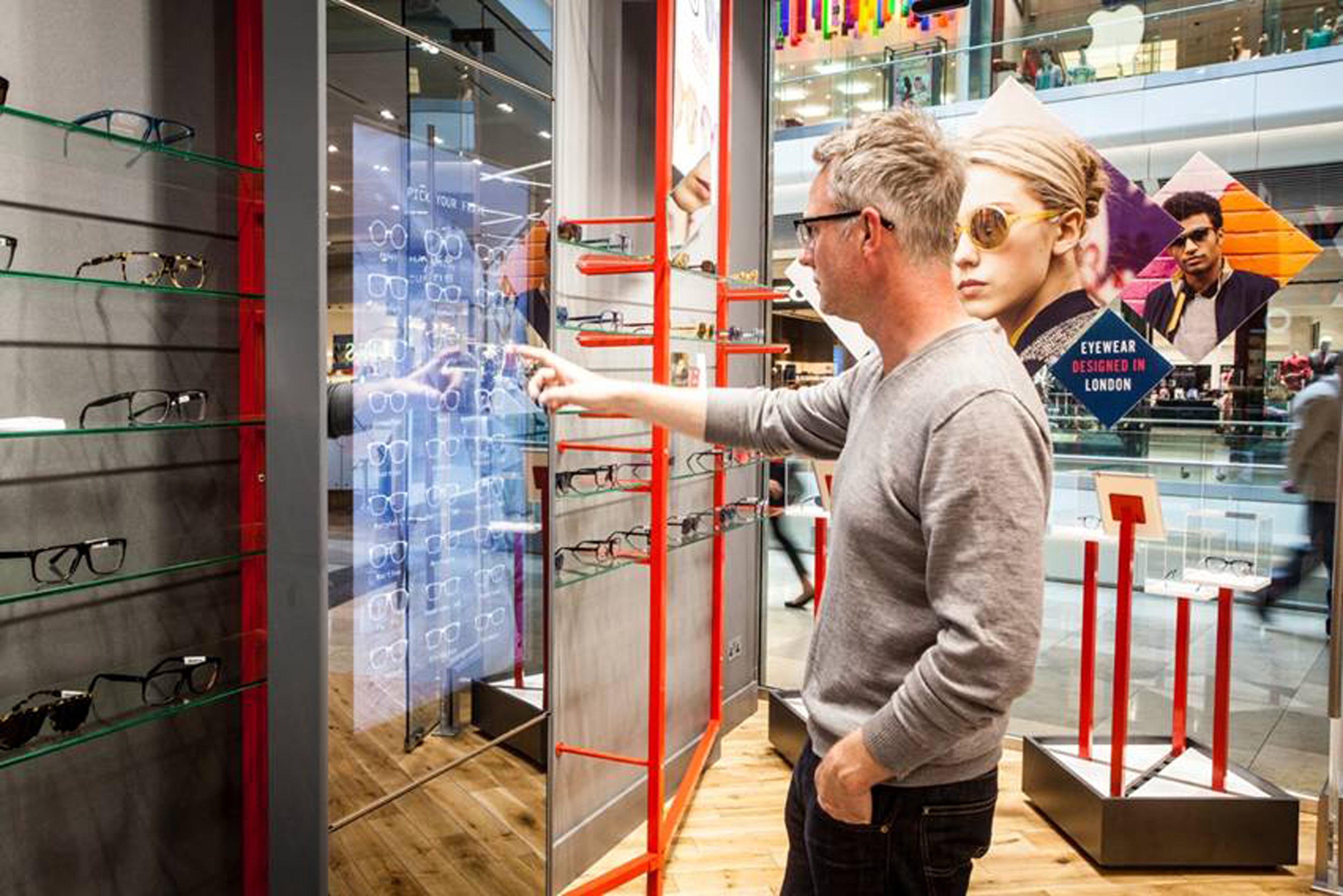 role of technology in retail The retail industry is continuously affected by advances in digital technologies,  which dramatically change the competitive scenario on the one hand consu.