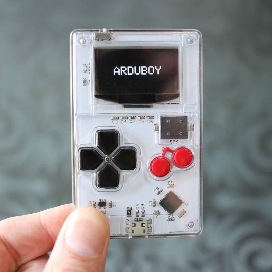 Arduino is tiny retro games console