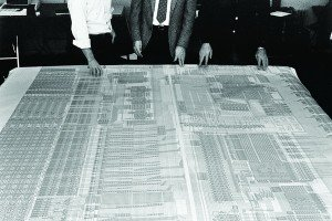 Prof. John Hennessy inspecting the layout of MIPS R2000