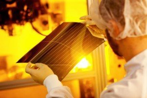 Heliatek 3 junction record organic solar cell