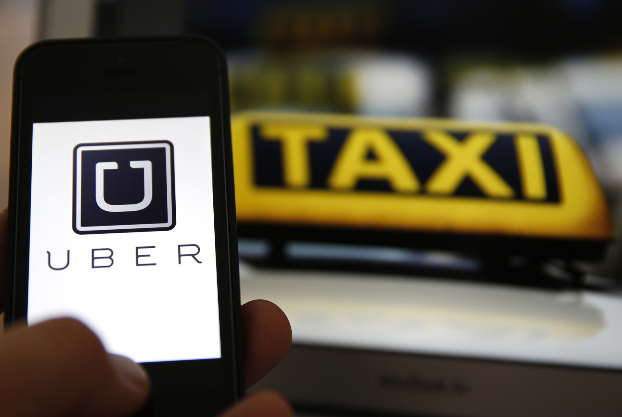 Uber sells 15% stake to SoftBank