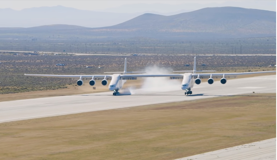 Gadget in Extremis: World's largest plane Stratolaunch launches